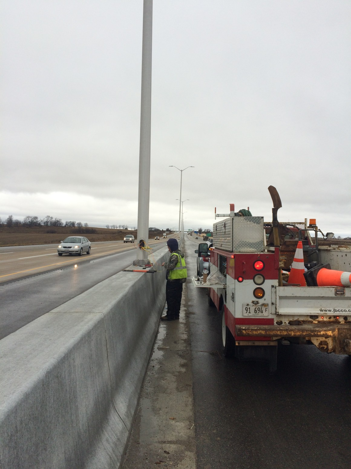 Jane Addams Memorial Tollway Widening & Reconstruction – Lighting/ITS Installation